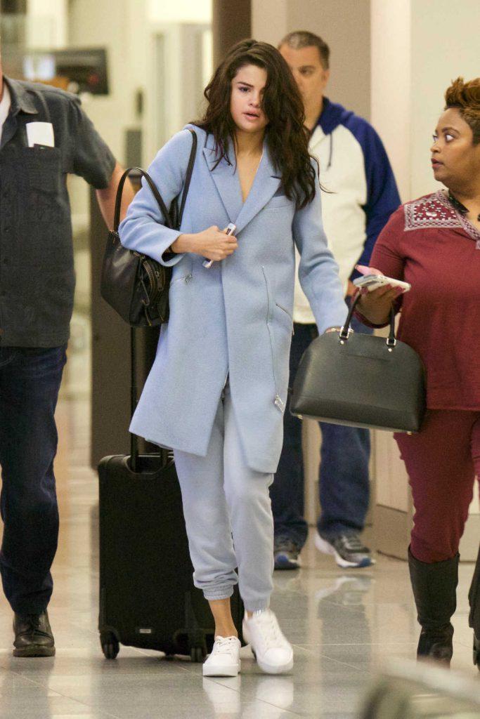 Selena Gomez Was Seen at Airport in Atlanta 03/01/2017-1