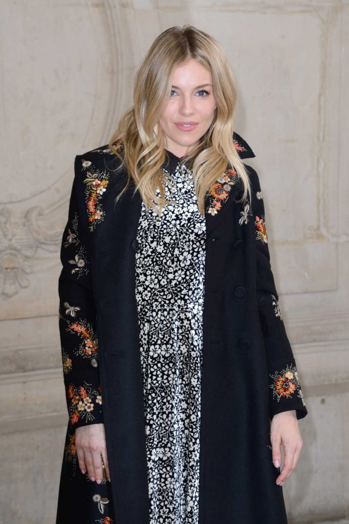 Sienna Miller at the Christian Dior Show During the Paris Fashion Week 03/03/2017-4