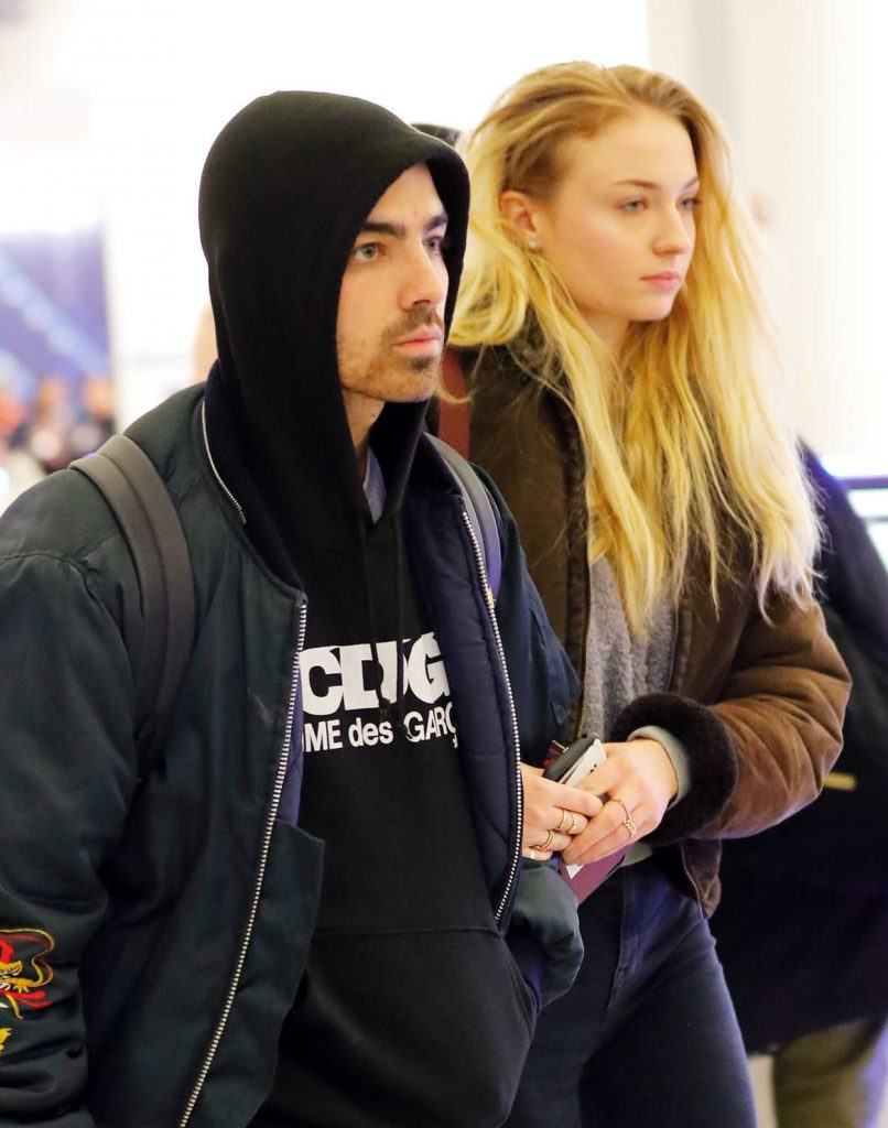 Sophie Turner Arrives in NYC With Her Boyfriend Joe Jonas 03/06/2017-4