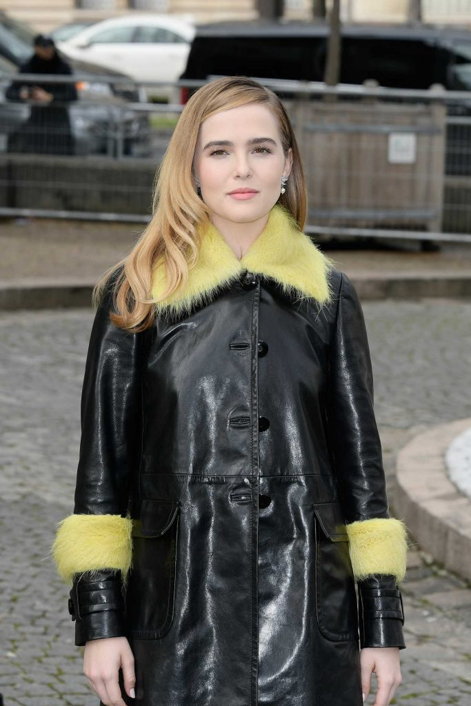Zoey Deutch Arrives at the Miu Miu Show During the Paris Fashion Week 03/07/2017-4