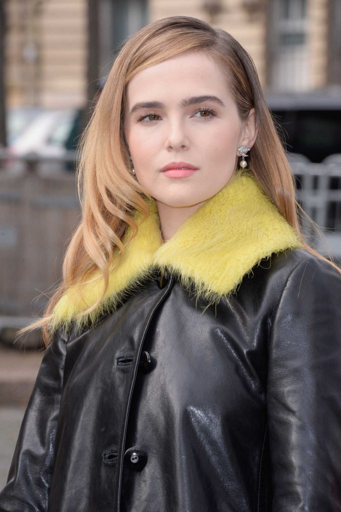 Zoey Deutch Arrives at the Miu Miu Show During the Paris Fashion Week 03/07/2017-5