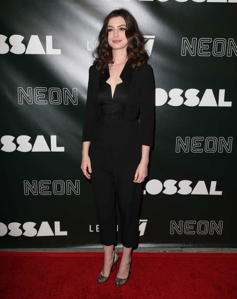 Anne Hathaway at the Colossal Premiere at the Vista Theatre in Hollywood 04/04/2017-2