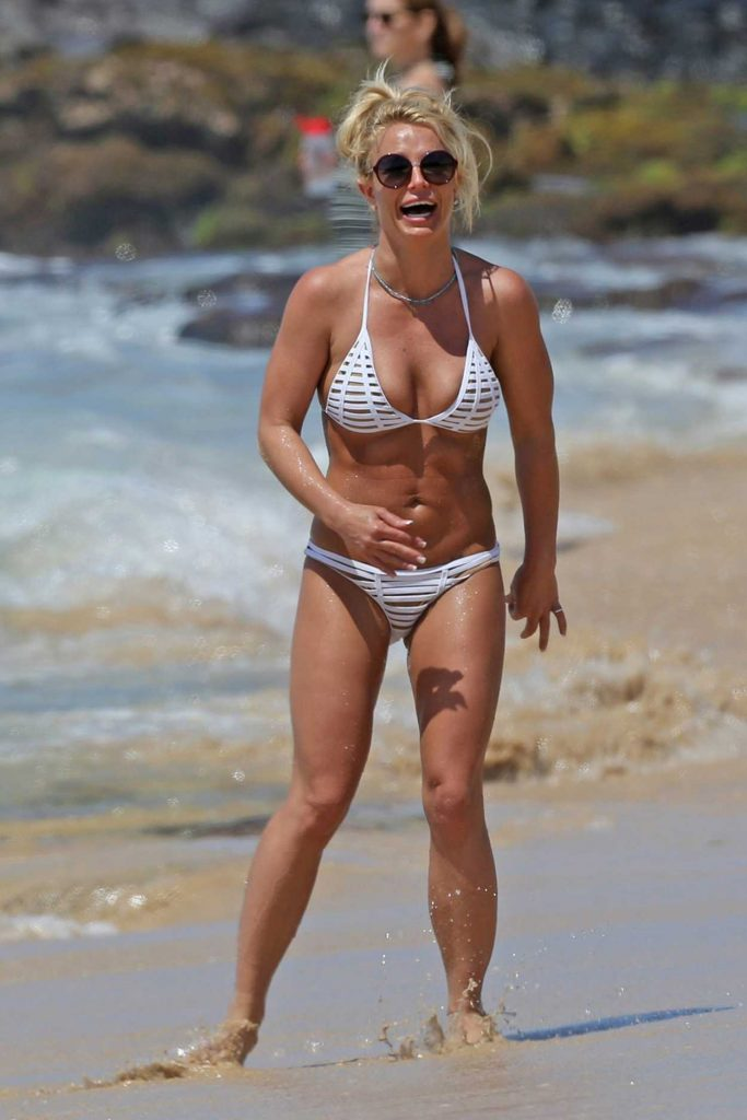 Britney Spears in Bikini at the Beach in Hawaii 04/10/2017-1
