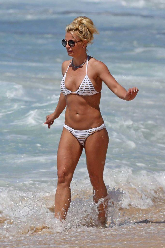 Britney Spears in Bikini at the Beach in Hawaii 04/10/2017-2