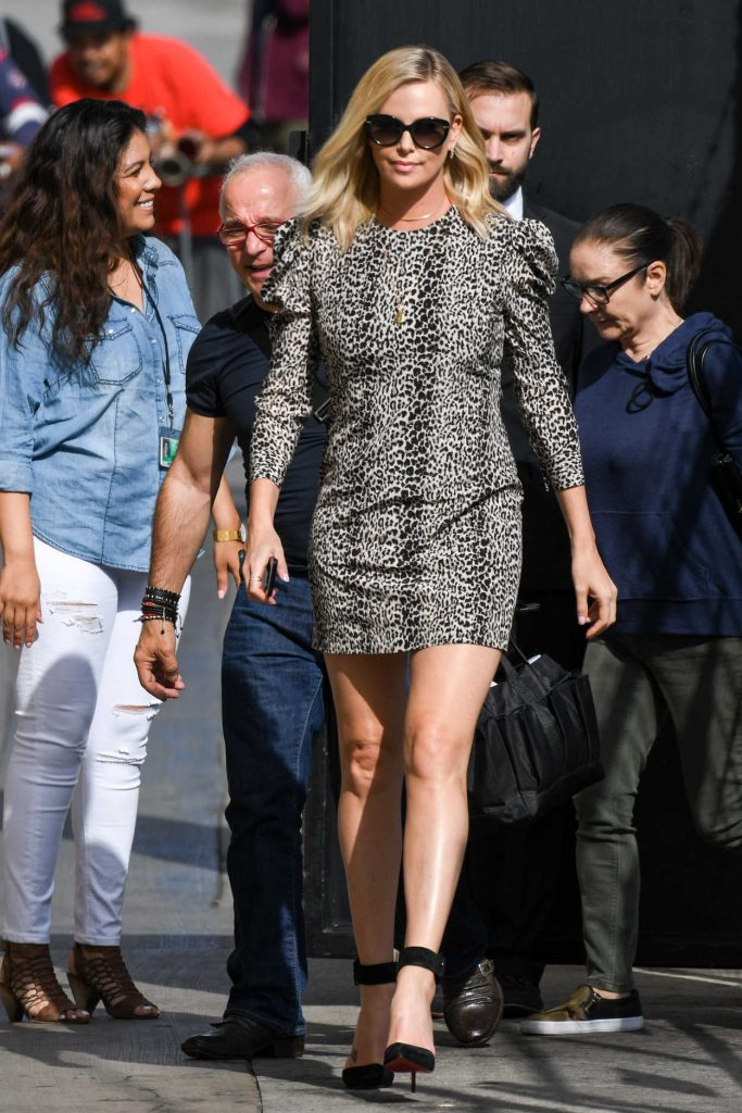 Charlize Theron Arrives at Jimmy Kimmel Show in Los Angeles 04/13/2017-1