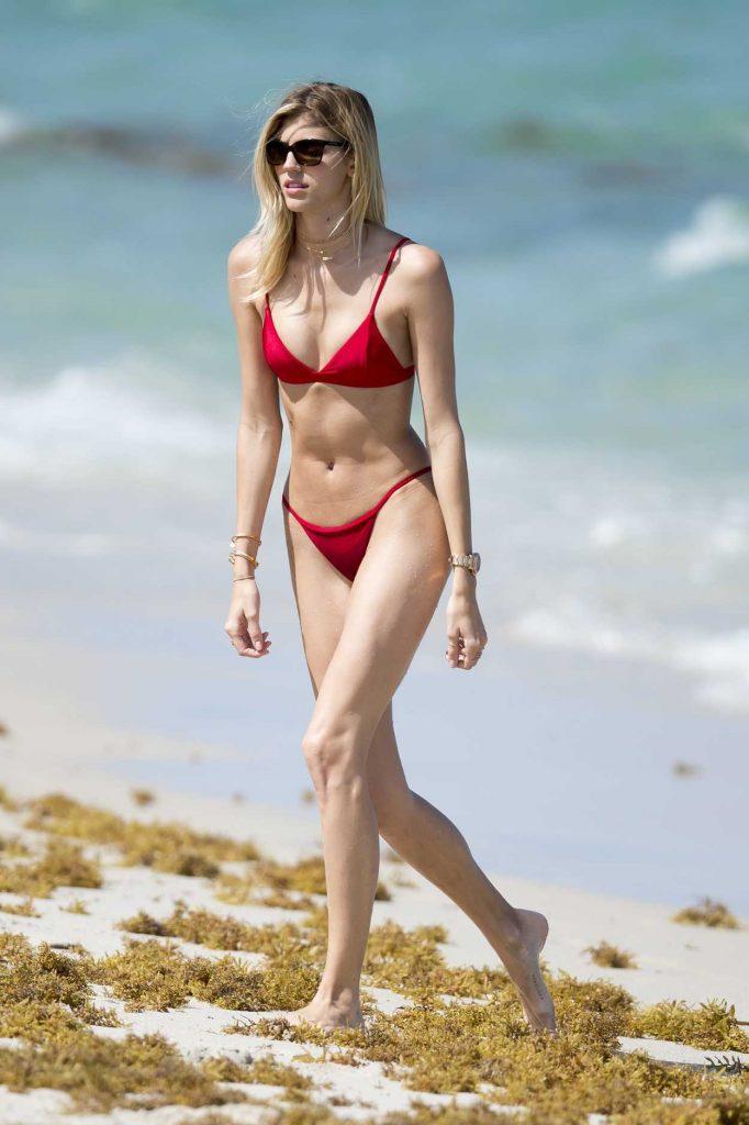 Devon Windsor Wears a Red Bikini at the Beach in Miami 04/28/2017-3
