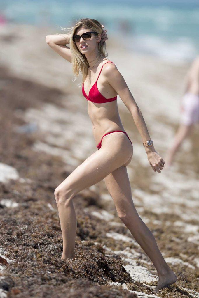 Devon Windsor Wears a Red Bikini at the Beach in Miami 04/28/2017-4