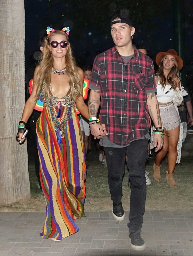 Paris Hilton Arrives at Coachella Valley Music and Arts Festival in Indio 04/14/2017-2
