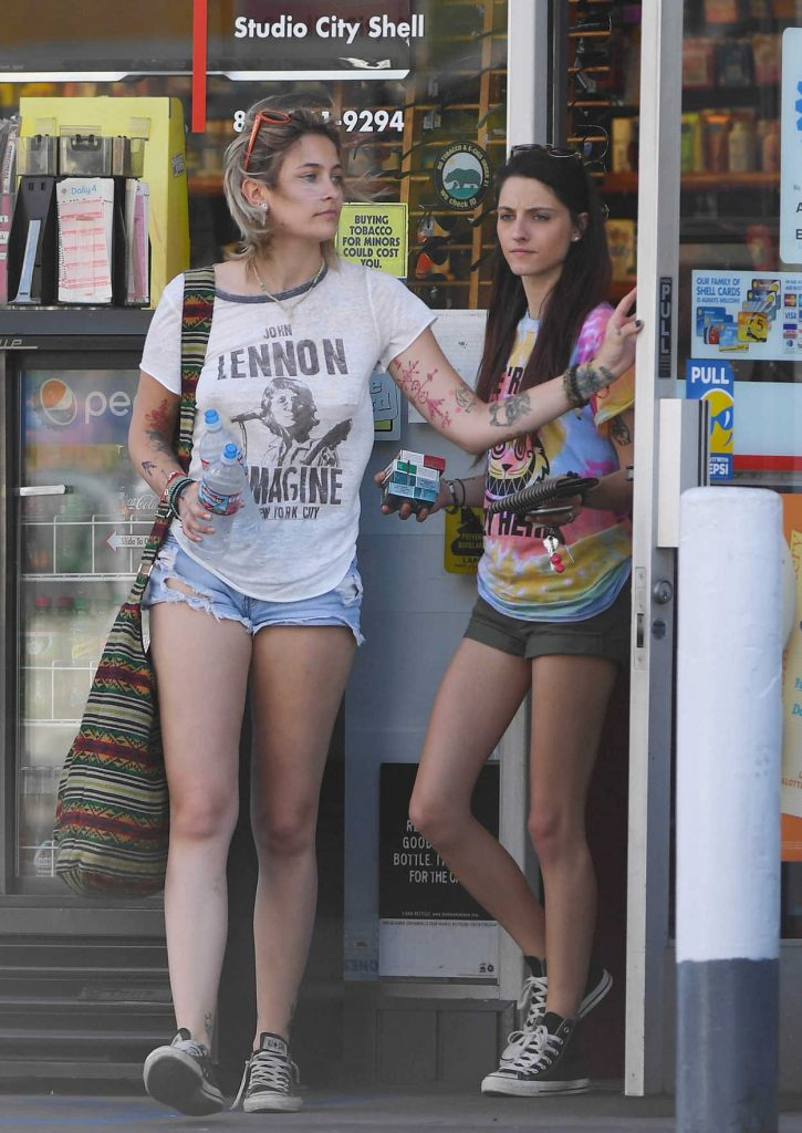 Paris Jackson Was Seen Out in Studio City 04/22/2017-1