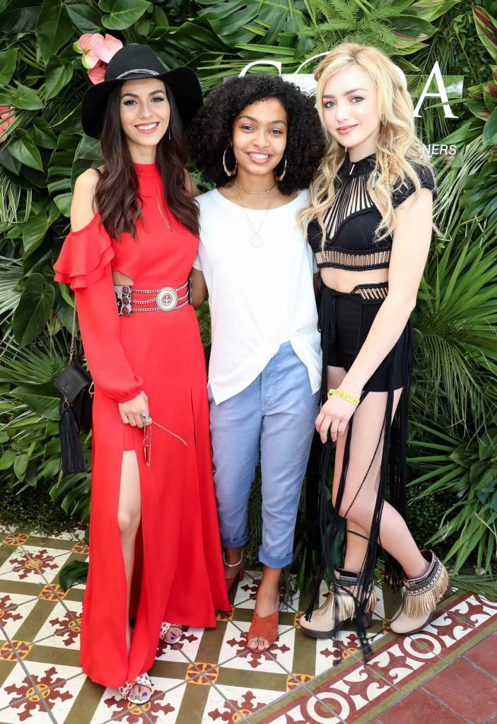Peyton List Attends POPSUGAR and CFDA's Brunch During the Coachella Valley Music and Arts Festival in Palm Springs 04/15/2017-4