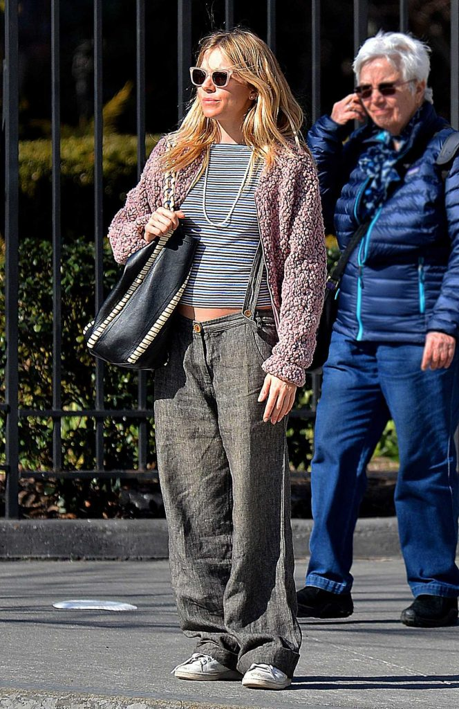 Sienna Miller Was Spotted Out in New York City 03/31/2017-4