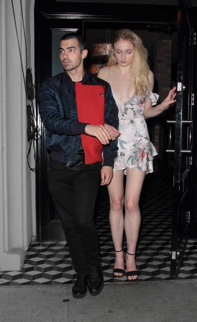 Sophie Turner Was Seen With Joe Jonas Outside Craig's Restaurant in LA 04/03/2017-3