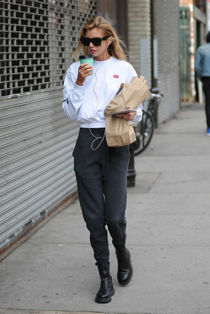 Stella Maxwell Was Seen Out in New York City 04/20/2017-2