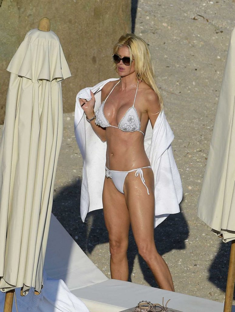 Victoria Silvstedt in Bikini at the Beach in St Barths 04/14/2017-4