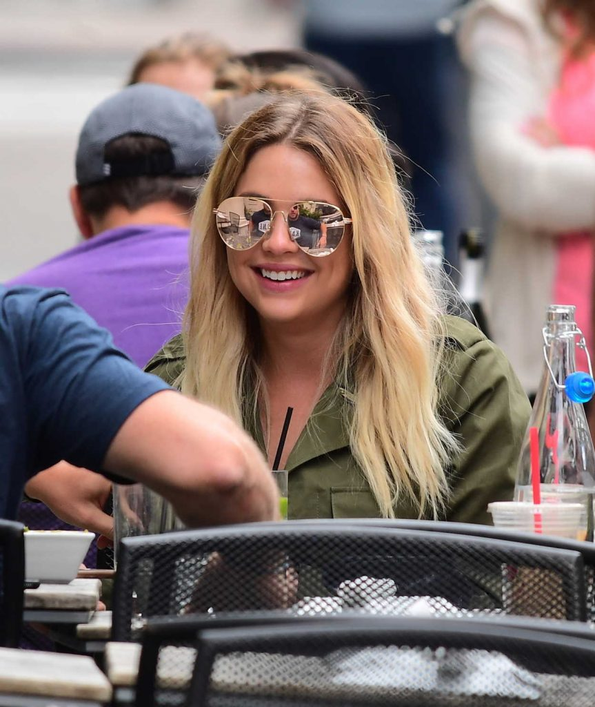 Ashley Benson Has a Brunch in Tribeca in NYC 05/27/2017-1