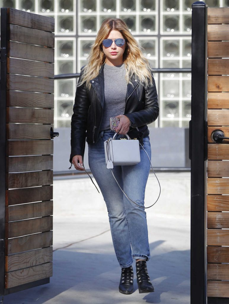 Ashley Benson Was Seen Out in Beverly Hills 05/09/2017-1