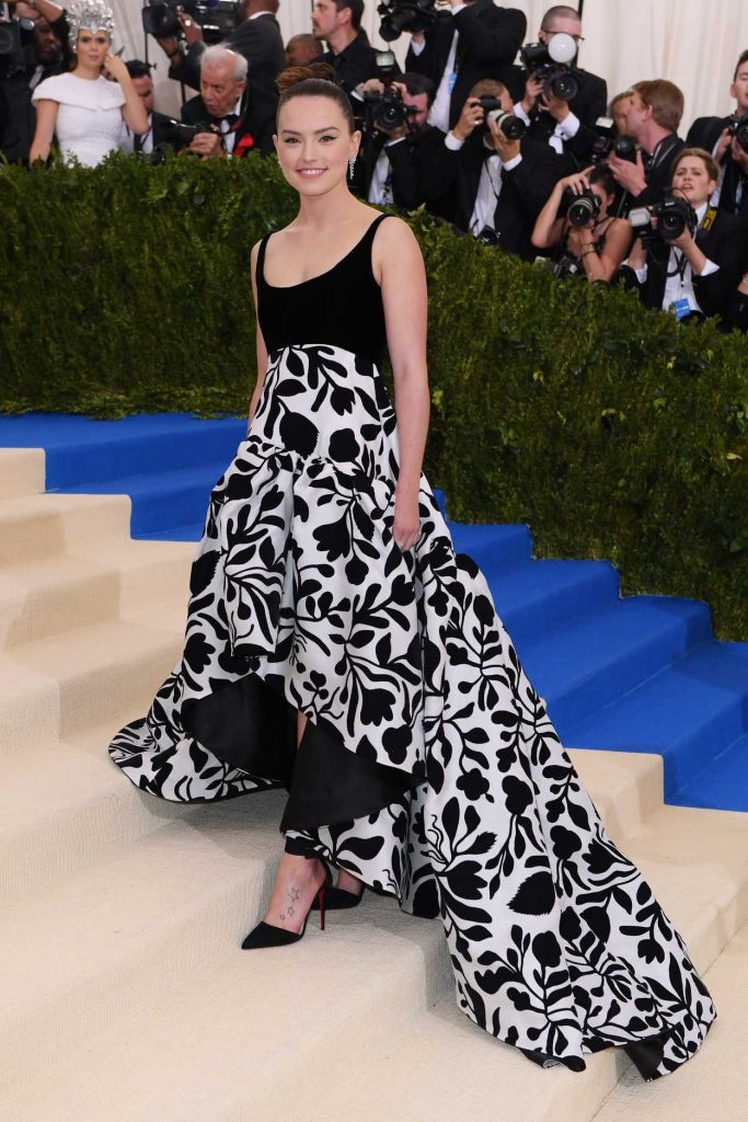 Daisy Ridley at the 2017 Met Gala at The Metropolitan Museum of Art in New York 05/01/2017-2