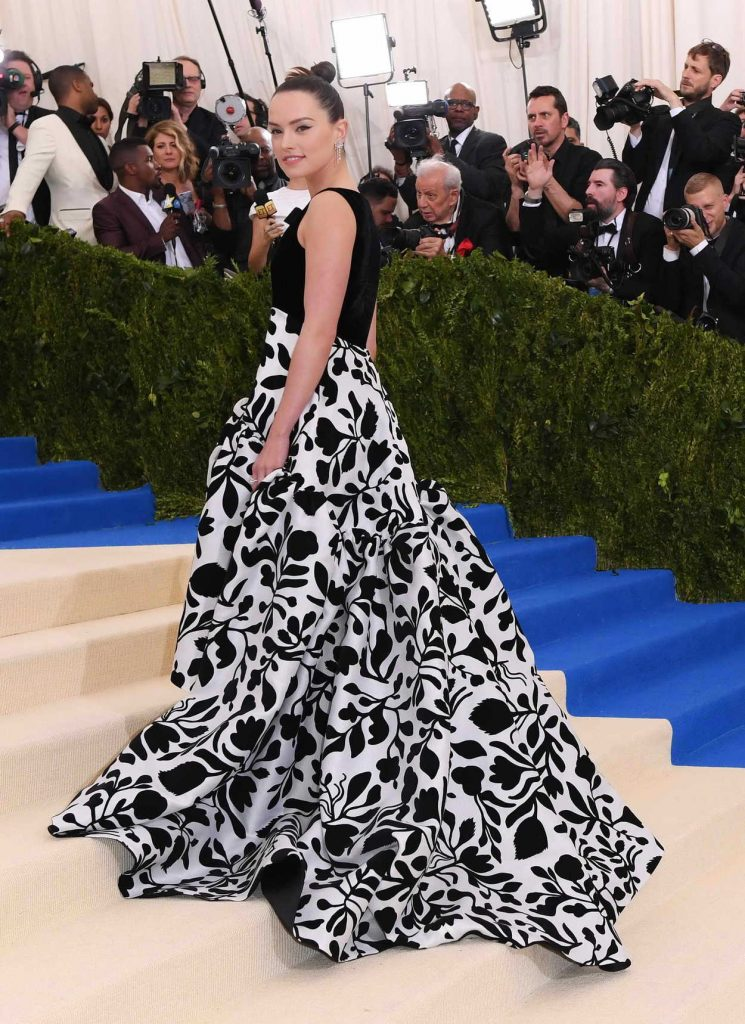 Daisy Ridley at the 2017 Met Gala at The Metropolitan Museum of Art in New York 05/01/2017-4