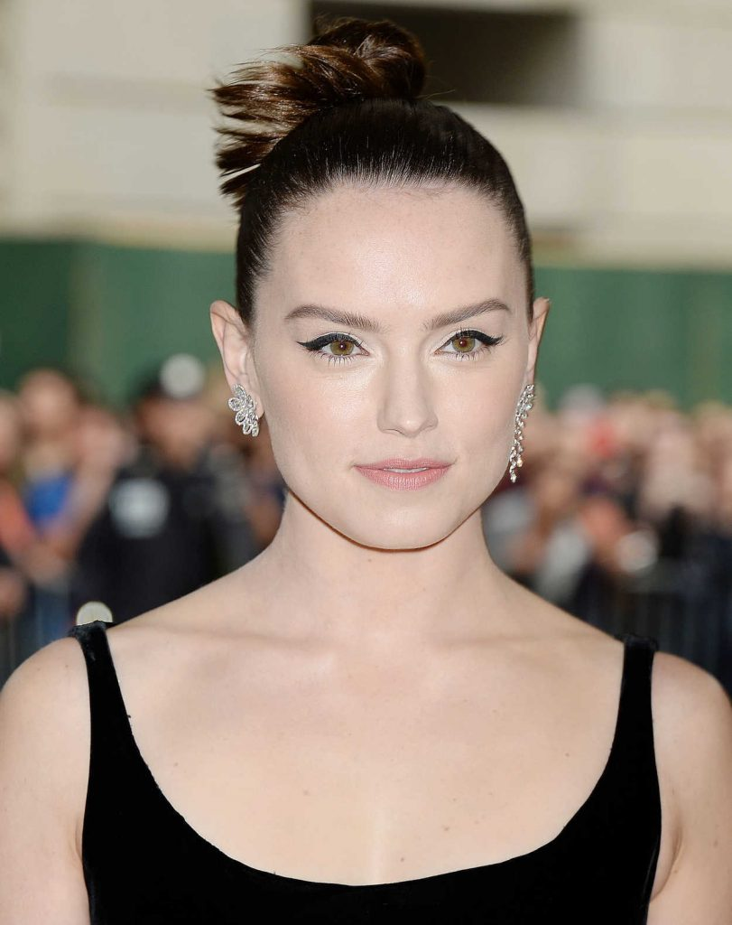 Daisy Ridley at the 2017 Met Gala at The Metropolitan Museum of Art in New York 05/01/2017-5