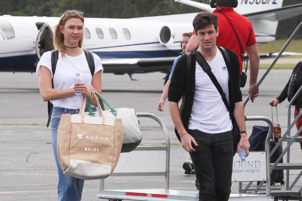 Karlie Kloss Arrives in the Hamptons for Memorial Day Weekend in NYC 05/26/2017-5