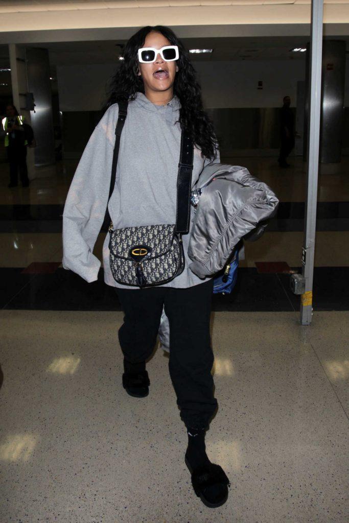 Rihanna at LAX Airport in Los Angeles 05/05/2017-1