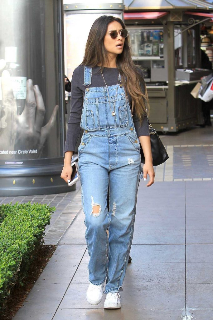 Shay Mitchell Goes Shopping at the Grove in Hollywood 05/15/2017-1