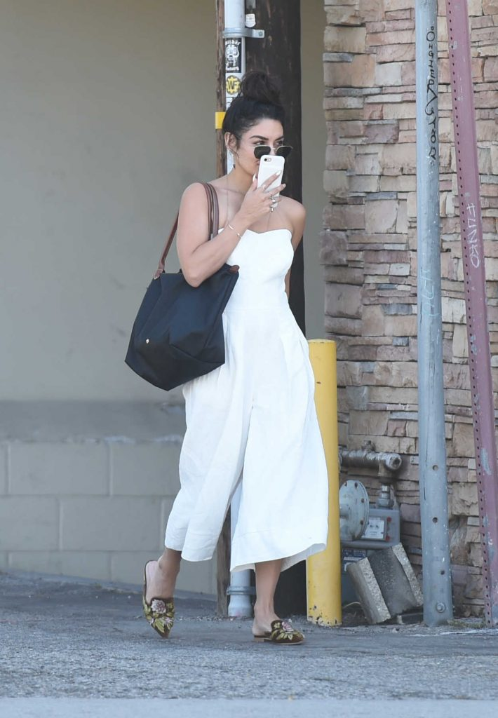 Vanessa Hudgens Was Seen Out in LA 05/04/2017-1