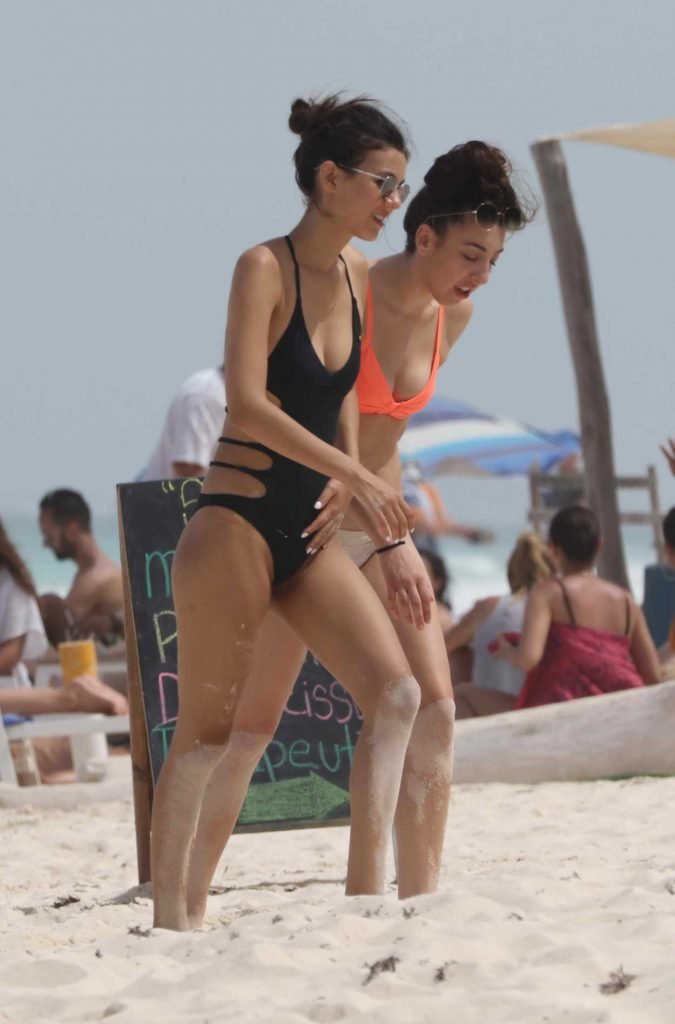 Victoria Justice Hits the Beach in Cancun, Mexico 05/29/2017-5