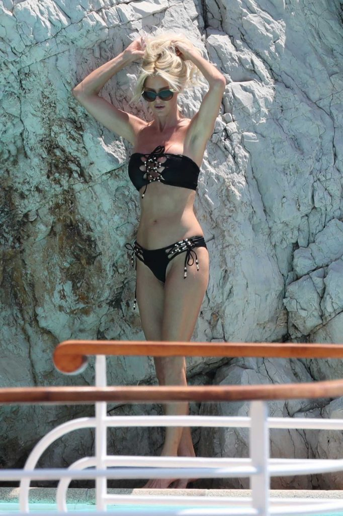 Victoria Silvstedt in Bikini by the Pool in Eden Roc Hotel in Antibes 05/28/2017-1