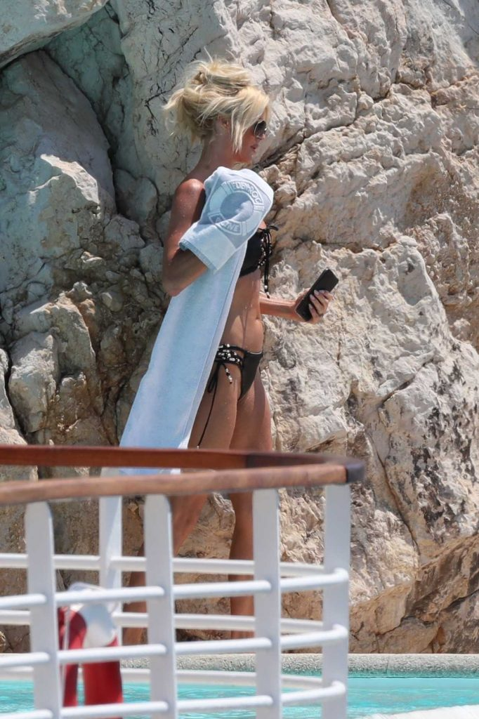 Victoria Silvstedt in Bikini by the Pool in Eden Roc Hotel in Antibes 05/28/2017-3