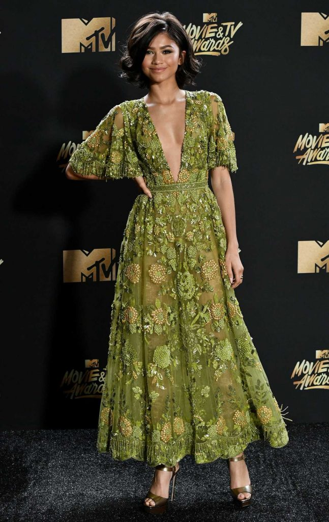 Zendaya at 2017 MTV Movie and TV Awards in Los Angeles 05/07/2017-1