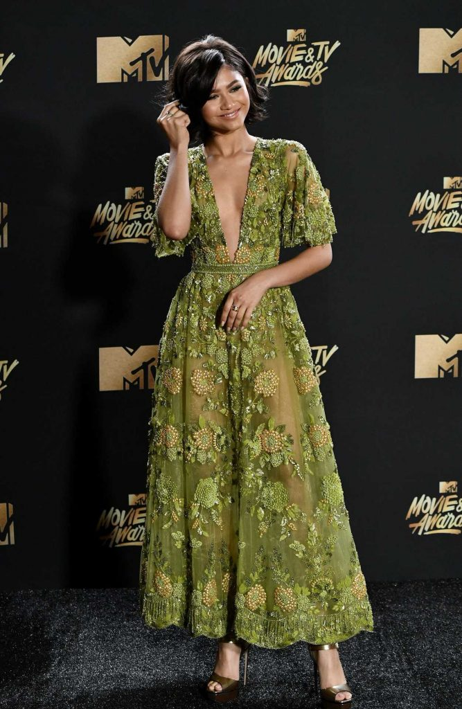 Zendaya at 2017 MTV Movie and TV Awards in Los Angeles 05/07/2017-2