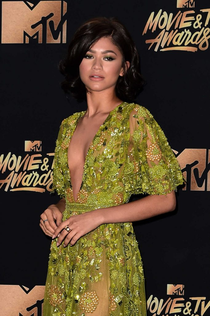 Zendaya at 2017 MTV Movie and TV Awards in Los Angeles 05/07/2017-4