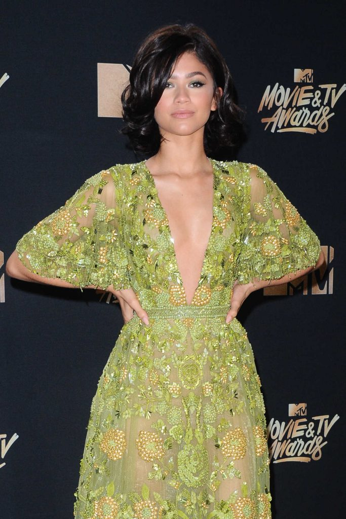 Zendaya at 2017 MTV Movie and TV Awards in Los Angeles 05/07/2017-5