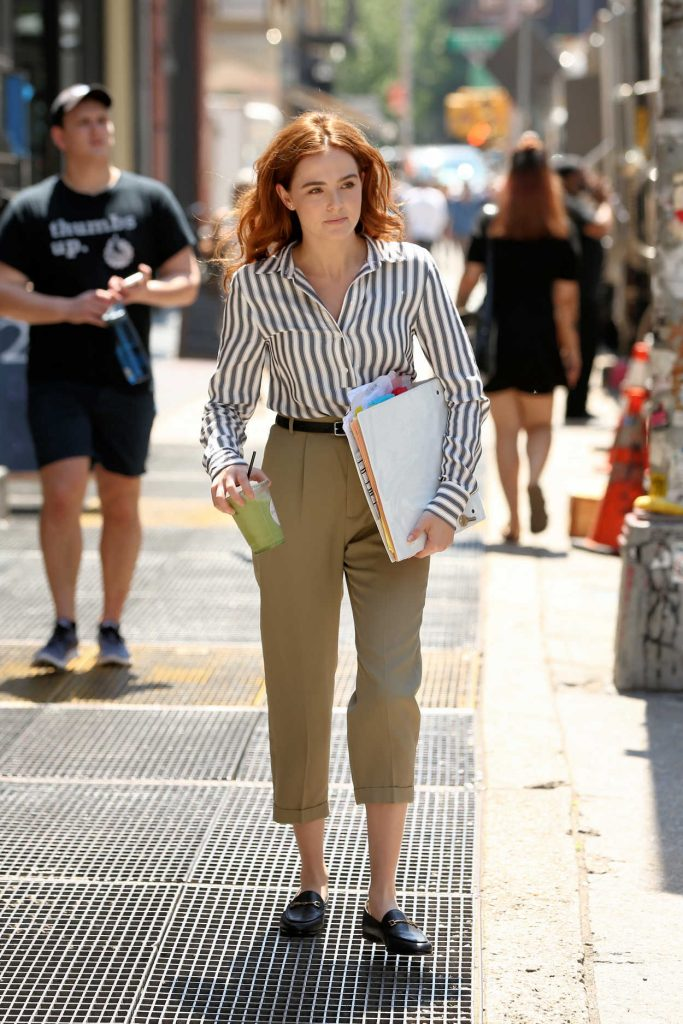 Zoey Deutch on the Set of Set It Up in New York City 05/18/2017-1