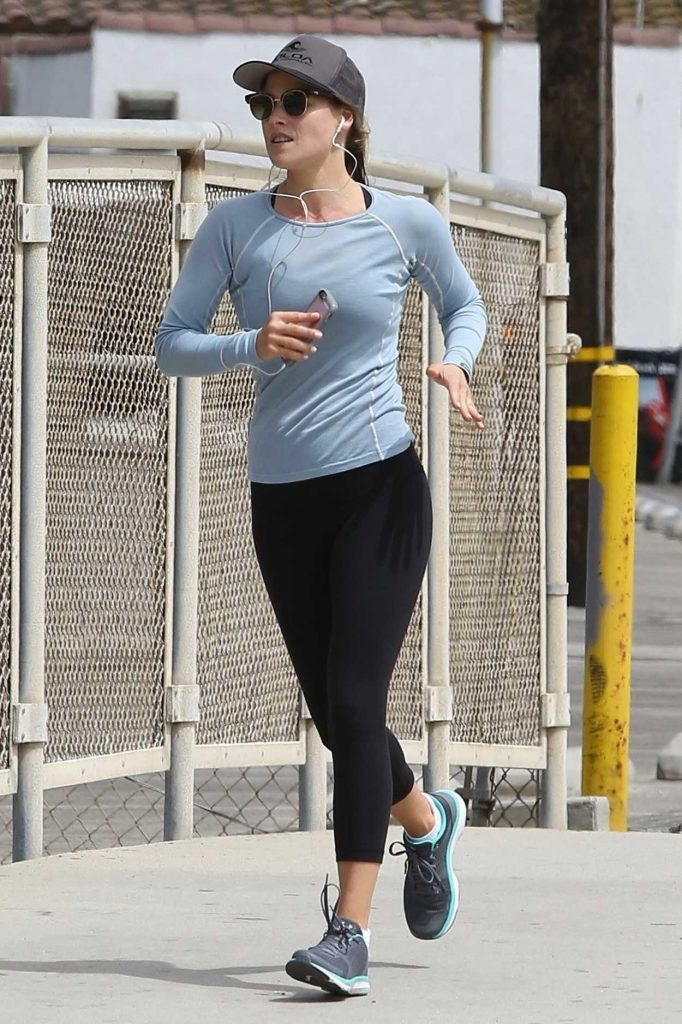 Ali Larter Goes for a Run in Santa Monica 06/19/2017-1