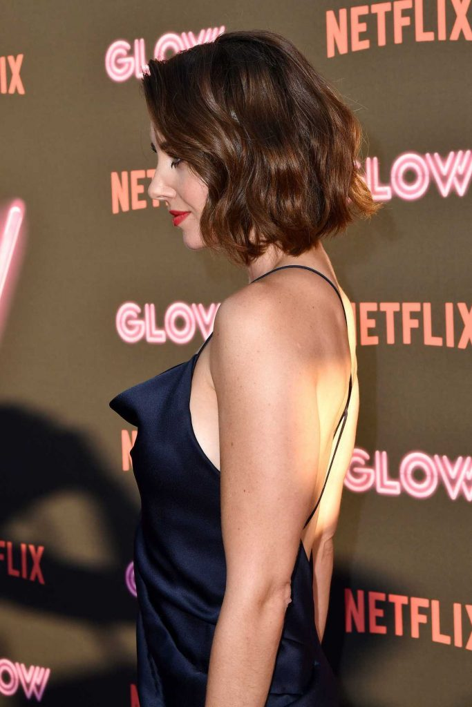 Alison Brie at the GLOW TV Show Premiere in Los Angeles 06/21/2017-4