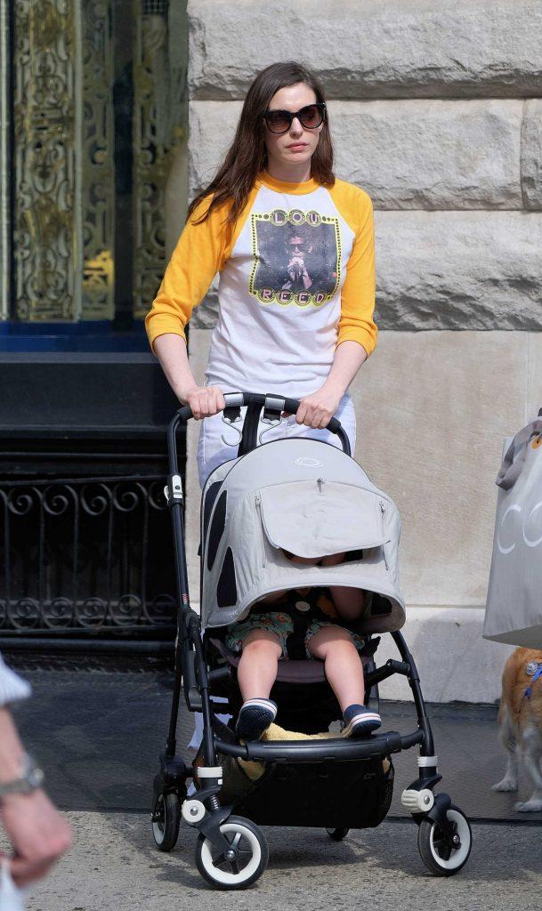 Anne Hathaway Walks in Soho, New York City 06/26/2017-1