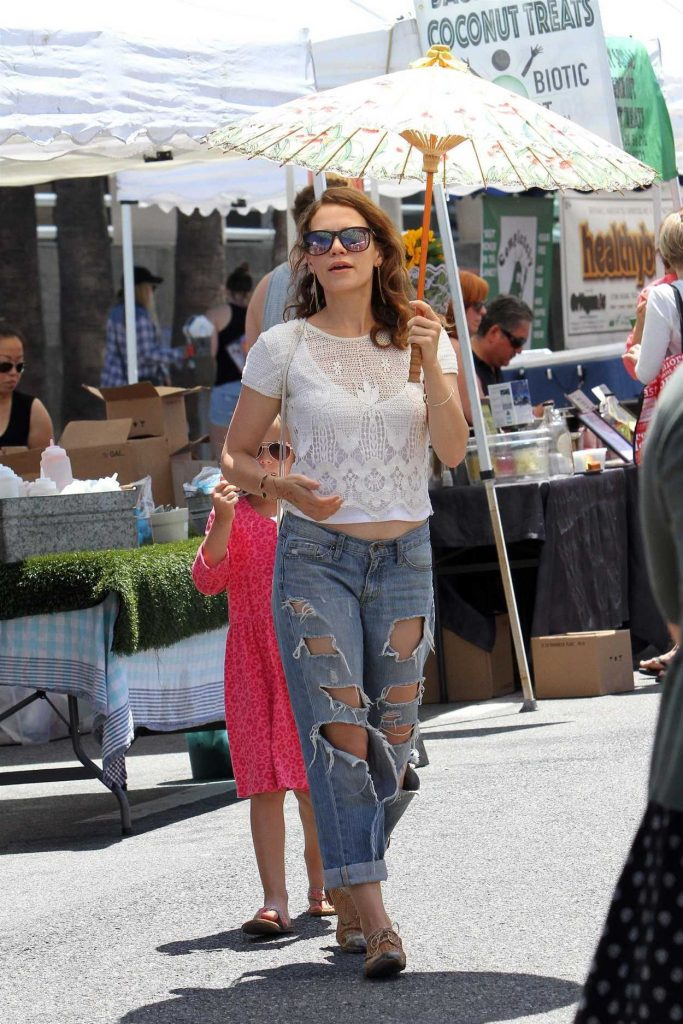 Bethany Joy Lenz Was Seen at the Farmer's Market in Studio City 06/25/2017-1