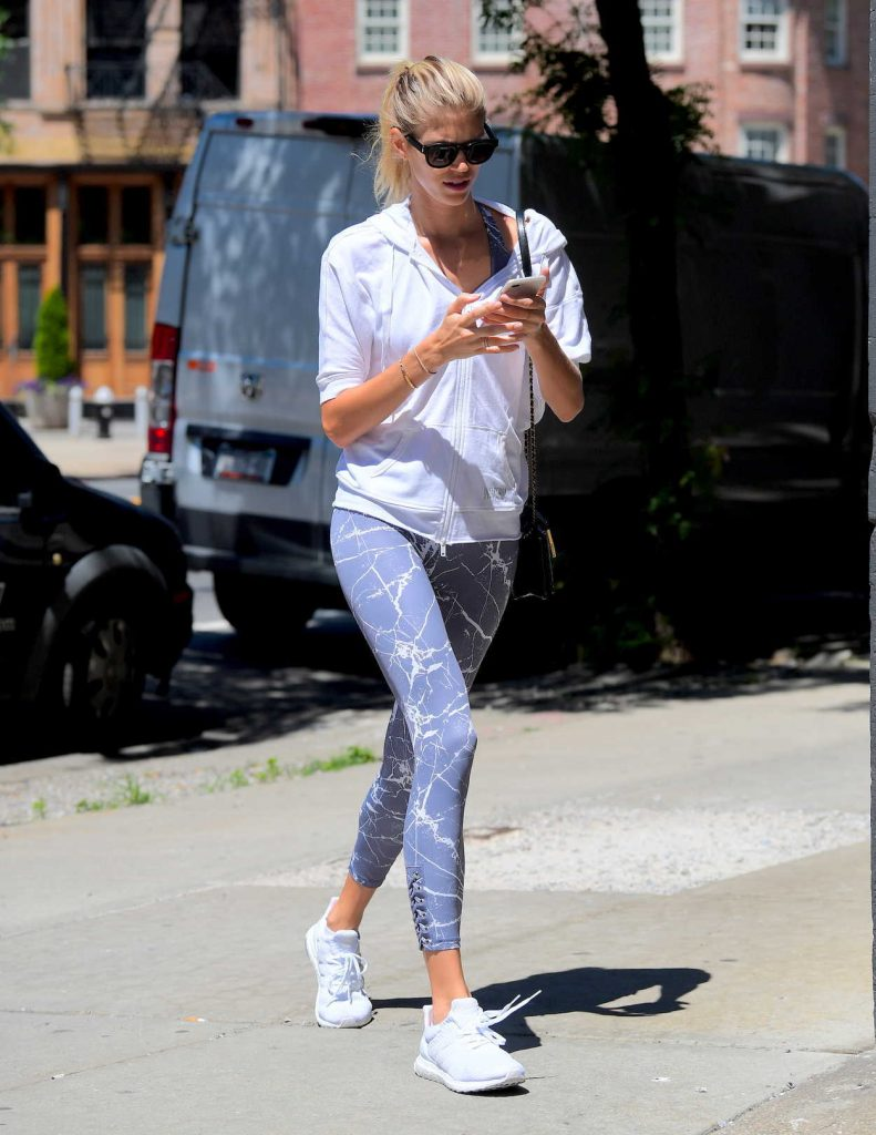 Devon Windsor Goes to the Gym in NYC 06/26/2017-2