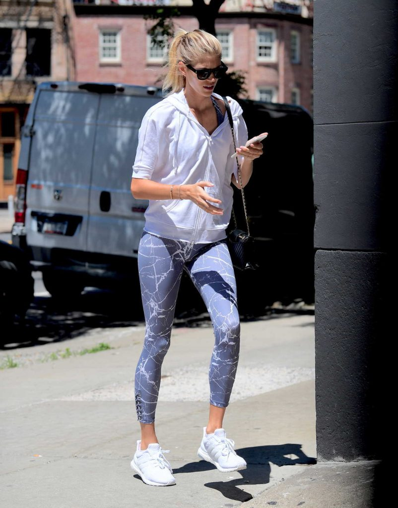 Devon Windsor Goes to the Gym in NYC 06/26/2017-3