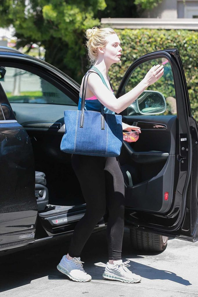 Elle Fanning Goes to the Gym in Toluca Lake 06/10/2017-1