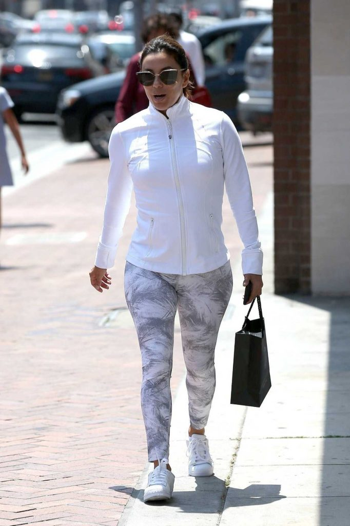 Eva Longoria Was Seen Out in Beverly Hills 06/22/2017-2