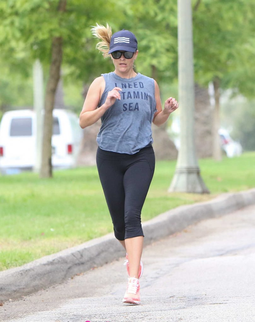 Reese Witherspoon Has a Morning Workout in Los Angeles 06/23/2017-3