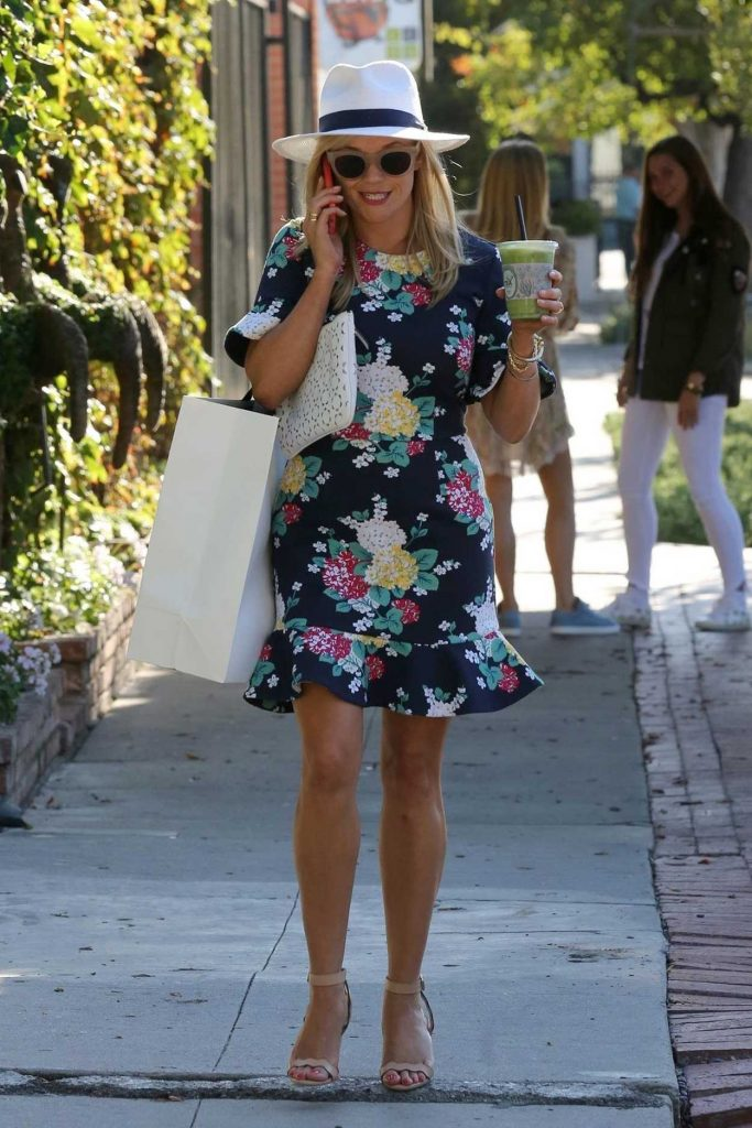 Reese Witherspoon Was Seen at Melrose Place in West Hollywood 06/26/2017-1