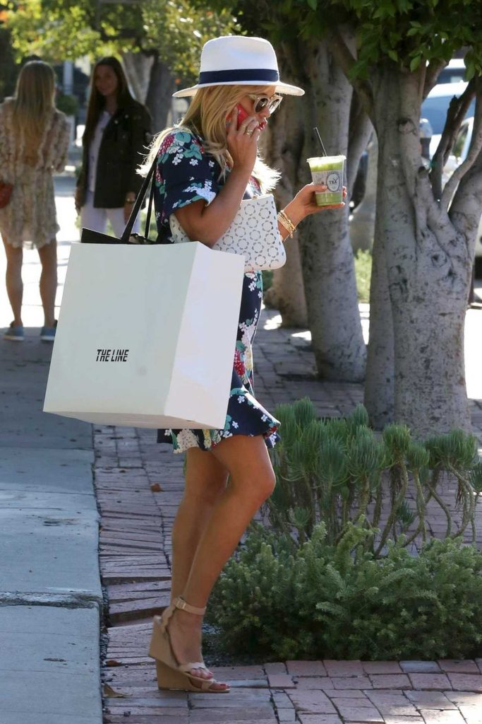 Reese Witherspoon Was Seen at Melrose Place in West Hollywood 06/26/2017-3