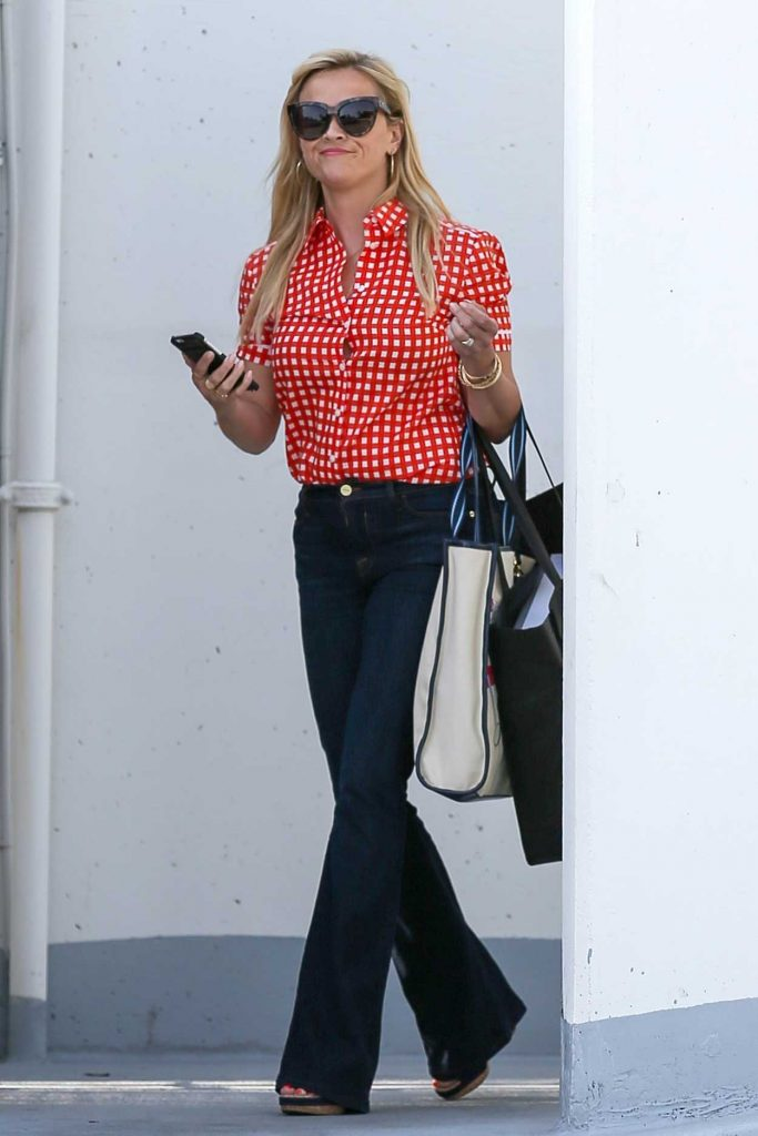 Reese Witherspoon Was Seen Out in Beverly Hills 06/05/2017-1