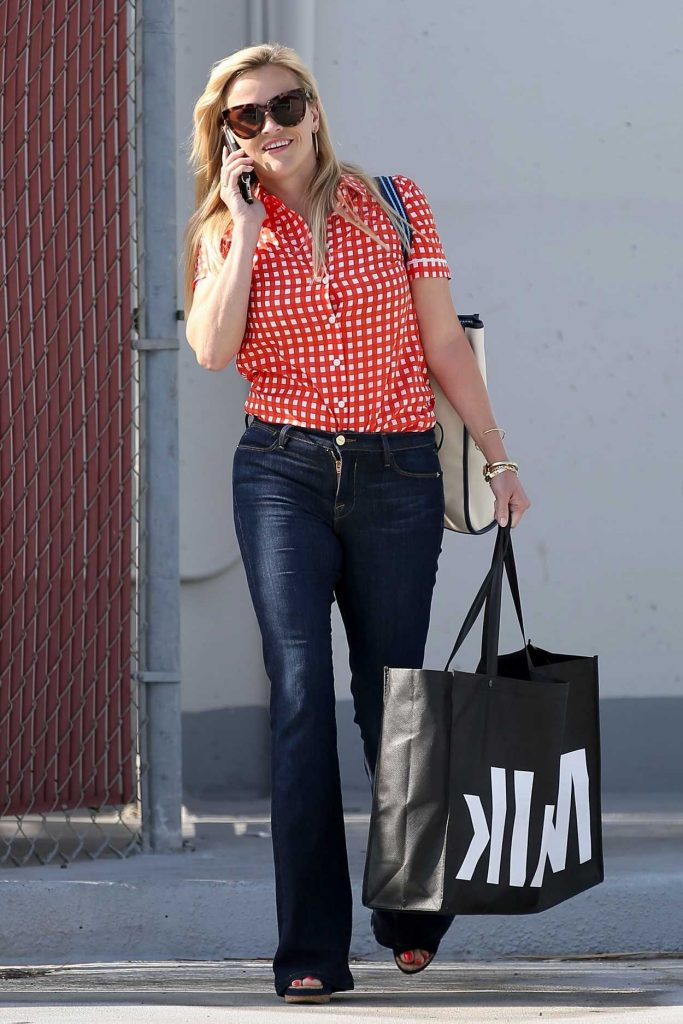 Reese Witherspoon Was Seen Out in Beverly Hills 06/05/2017-2