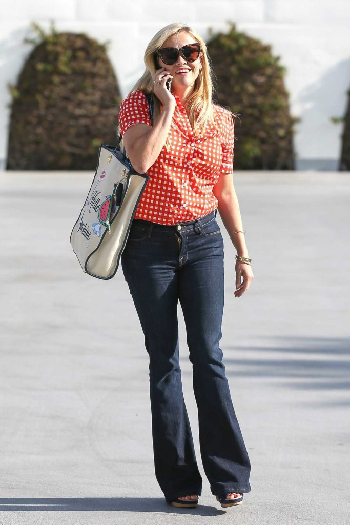 Reese Witherspoon Was Seen Out in Beverly Hills 06/05/2017-5