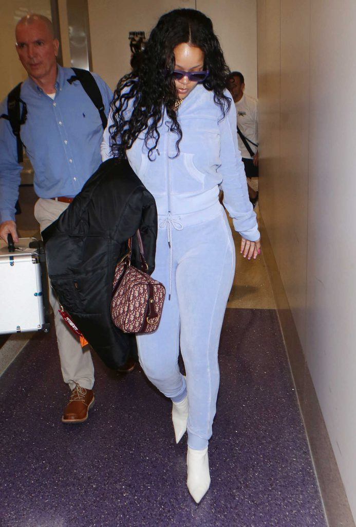 Rihanna Was Seen at LAX Airport in Los Angeles 06/24/2017-1